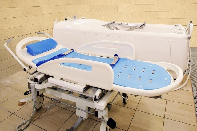 【ストレッチャー浴槽用機器の価格(値段)お値段と評判】お風呂介助の負担軽減におすすめ